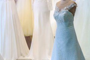 تفسير حلم لبس الفستان في المنام