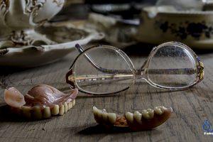 تفسير رؤية سقوط الاسنان بدون الم 2018 وارجاعها في المنام