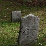 تفسير رؤية المقابر في الحلم