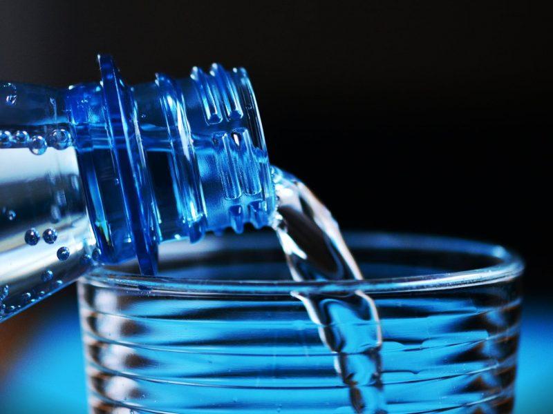 تفسير حلم الميت يشرب ماء فى المنام
