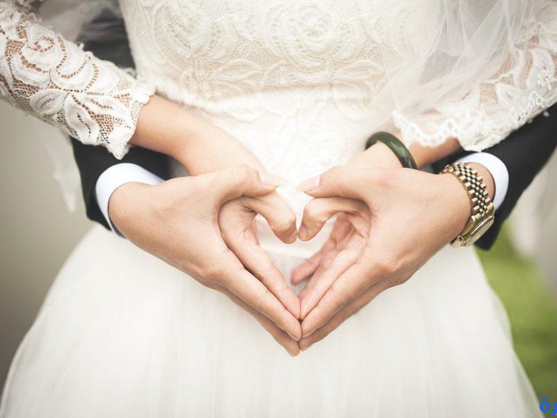 تفسير حلم الزواج من ممثل مشهور