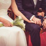 تفسير حلم الزواج للعزباء من شخص غير معروف
