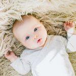 كيفية التعامل مع الطفل الرضيع