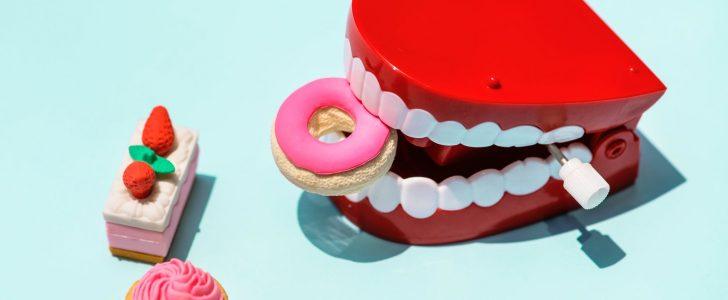 تفسير حلم نزول الدم من الاسنان