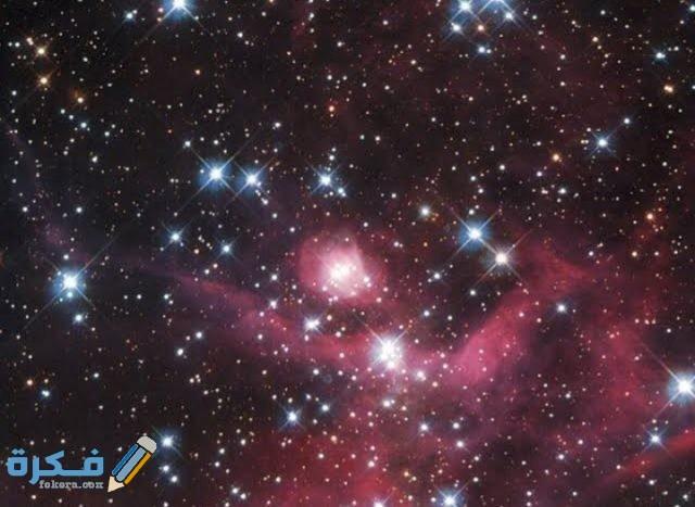 مجموعة كبيرة جدا من النجوم مترابطة معا بالجاذبية