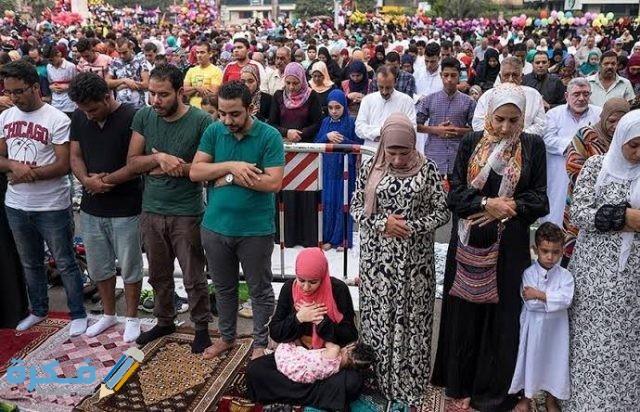 تفسير رؤية النساء والرجال في المسجد